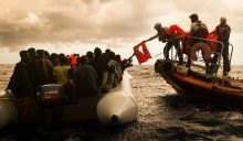 Rescue of rubber boat in Mediterranean Sea. Credit: MSF/Maud Veith/SOS Méditerranée